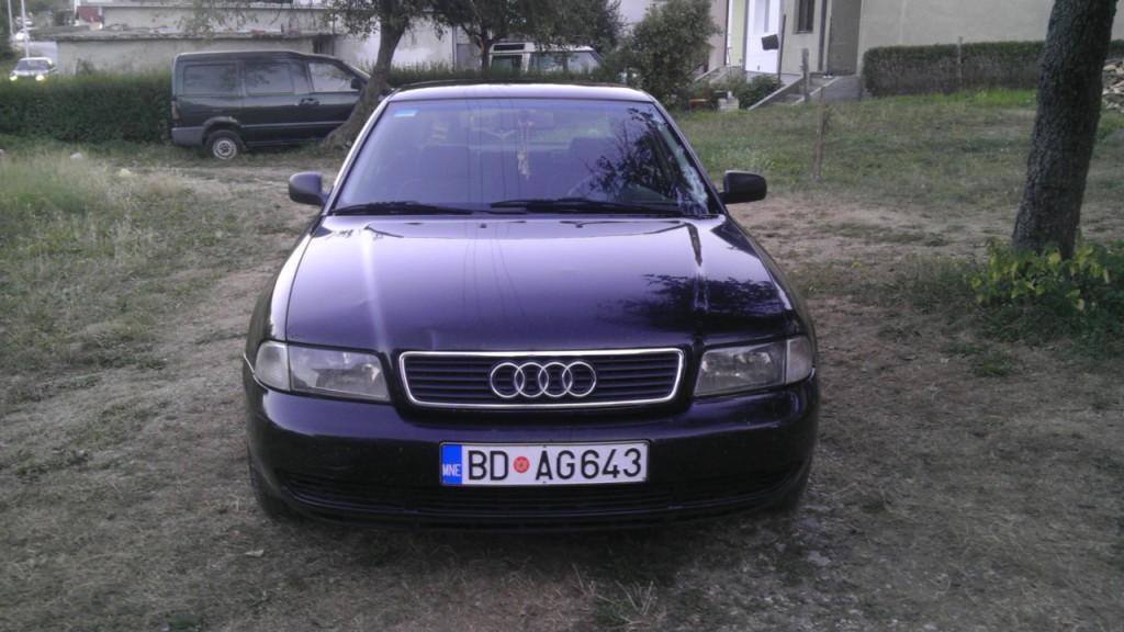 Prodajem Audi A4 1.8 Turbo. 1995. godište. Auto u odličnom stanju